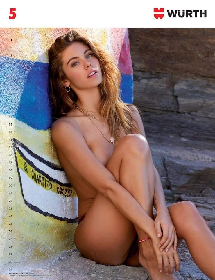 Carmella Rose  nackt