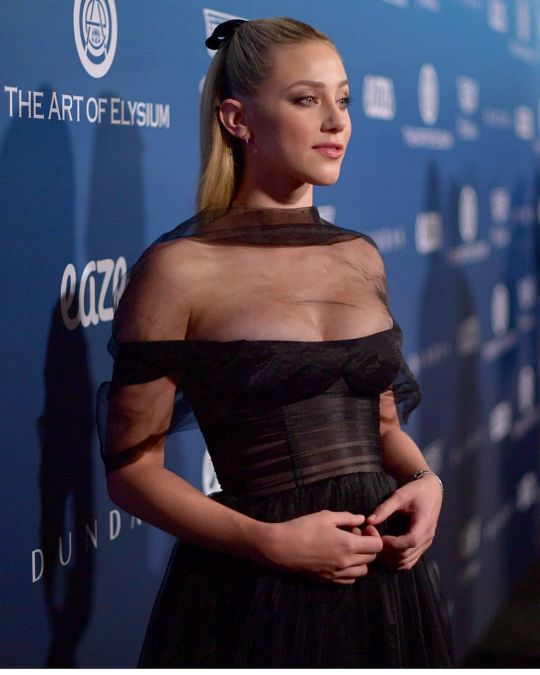 32 Hottest Lili Reinhart Photos | Sexy Near-Nude Photos ...