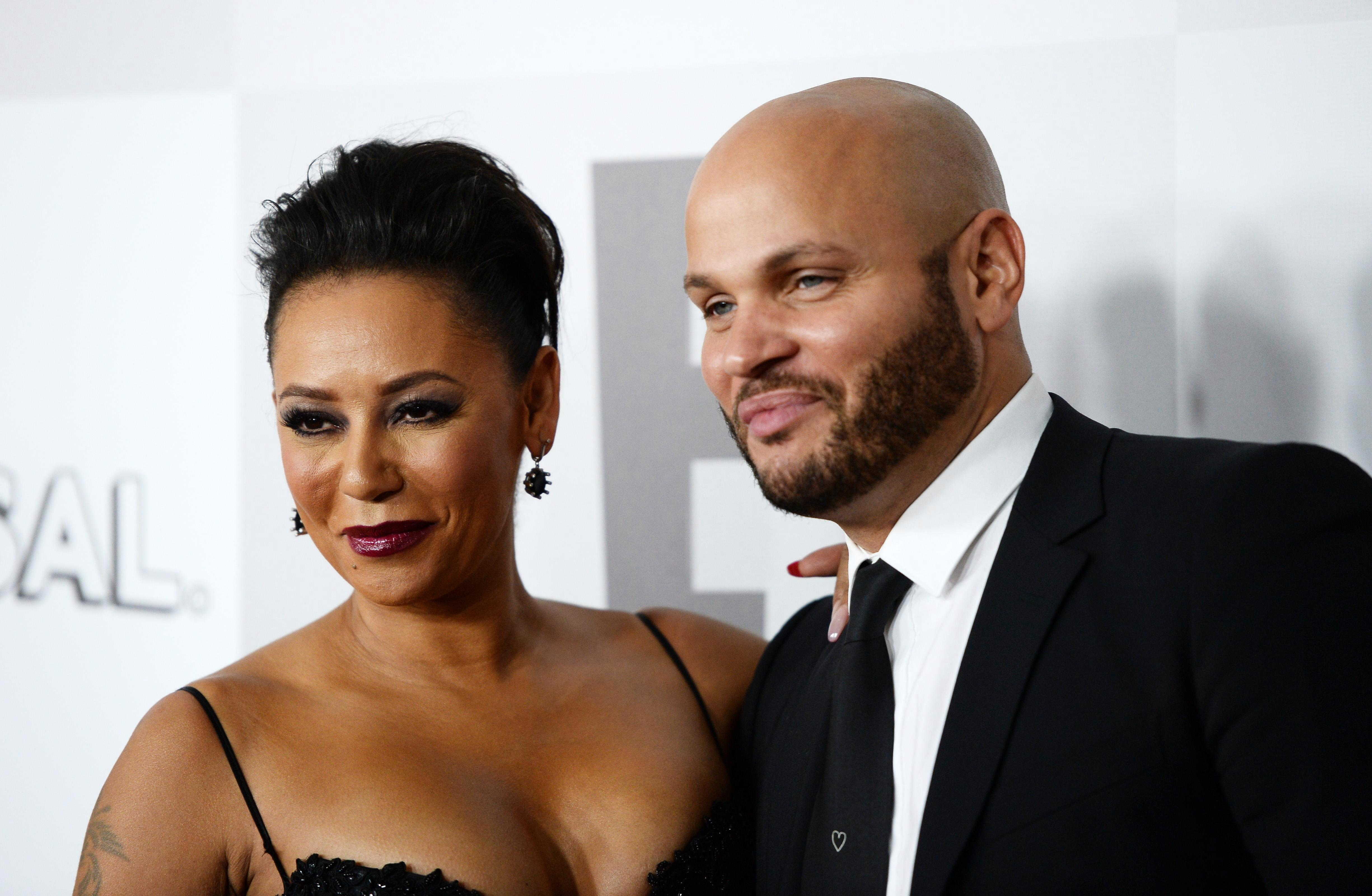 What are the Mel B sex tapes and did she have threesomes with ...