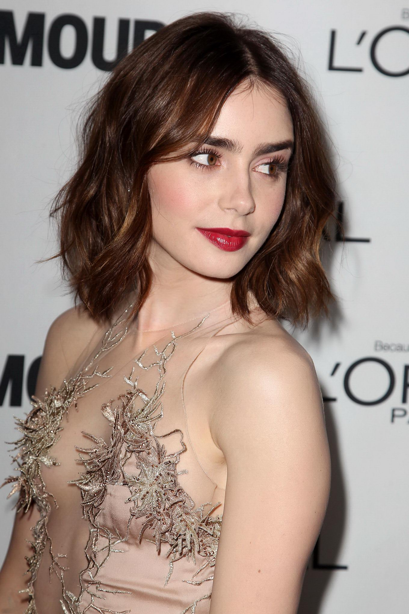 Check out Lily Collins Sizzling Hot Photos & Bikini Pics ...