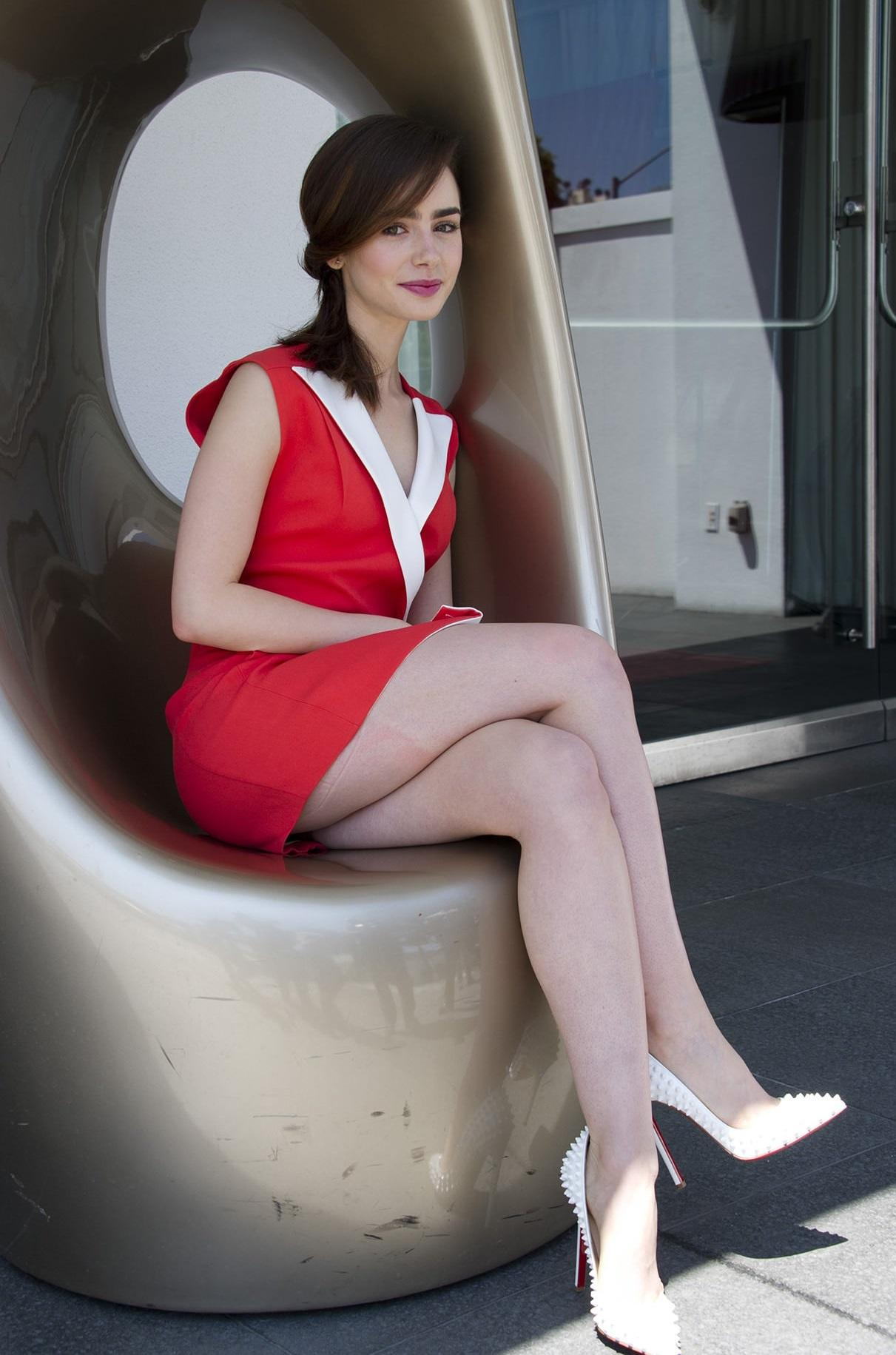 Lily Collins - Lily Collins Hot Legs, Hd Wallpapers ...