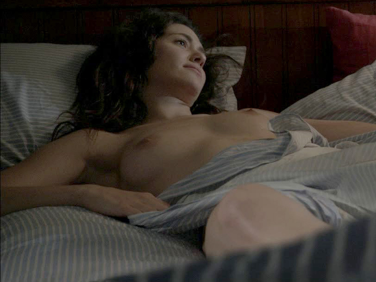 Emmy Rossum Topless In Season 4 Of Shameless Kickoff Sneak ...
