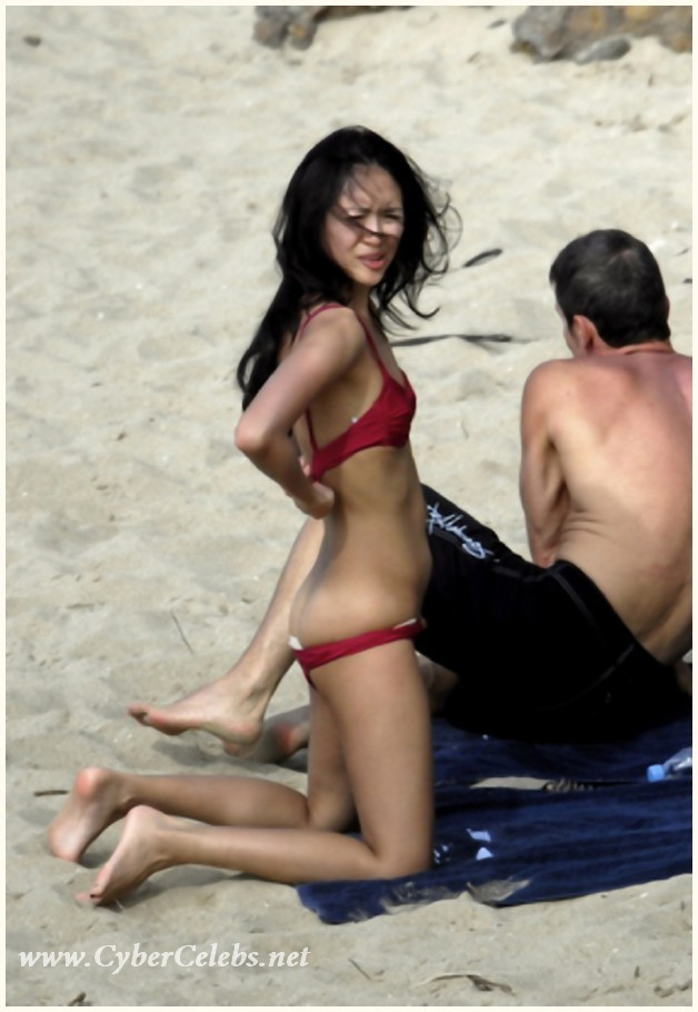 Sexual asian Ziyi Zhang flashing at the beach - Pichunter
