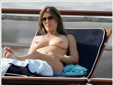 Elizabeth Hurley Nude - 22 Pictures: Rating 8.64/10