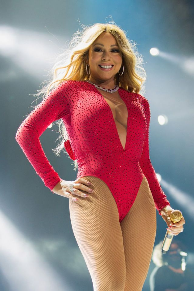 Mariah Carey stuns in sexy bodysuit