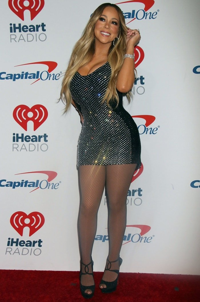 Mariah Carey Flaunts Sexy Legs in Fishnet Stockings and Mini ...