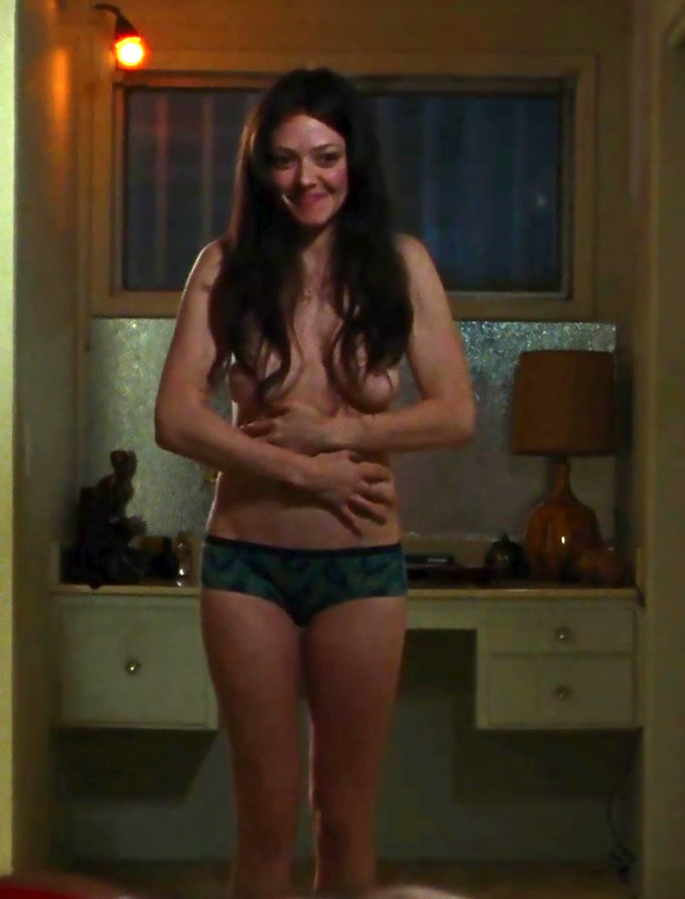Amanda Seyfried Topless And Fully Naked MIX - ScandalPost
