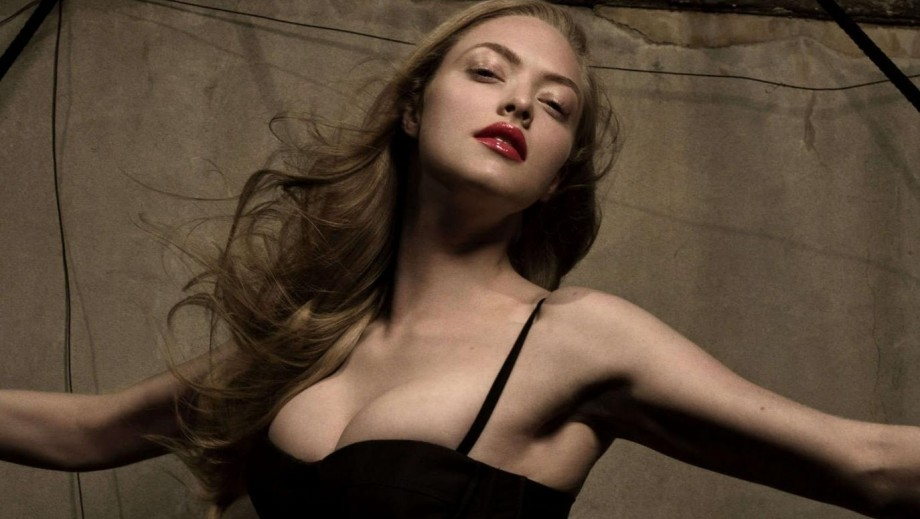 Amanda Seyfried topless photo ignites hope of more ...