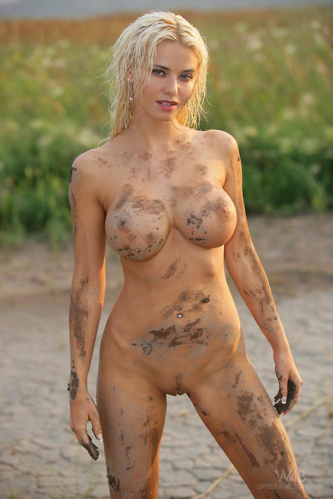 Lee nude kathy Kathy Lee