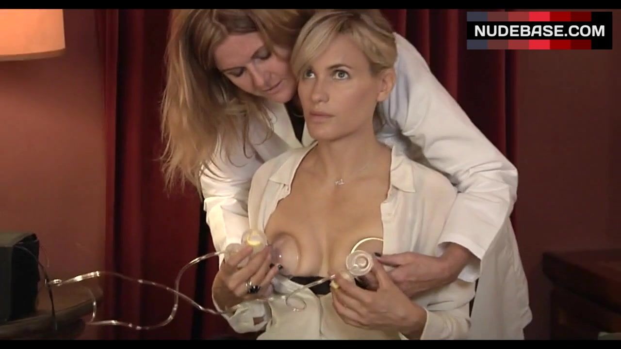 Laura Harris Nude Video. Laura Harris in The Faculty - le ...