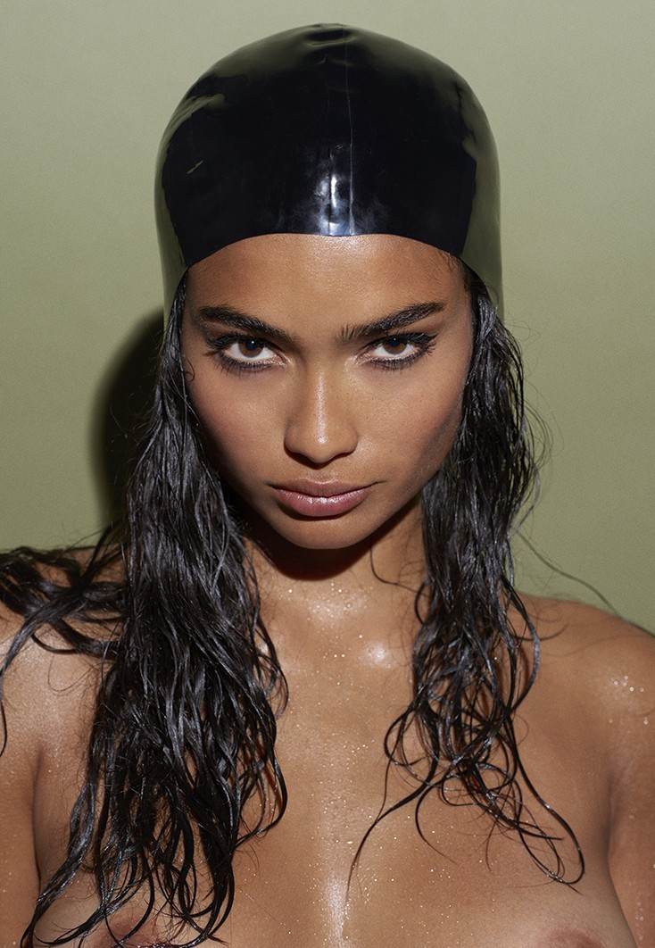 Playboy - Pics of Kelly Gale in Playboy - ImperiodeFamosas
