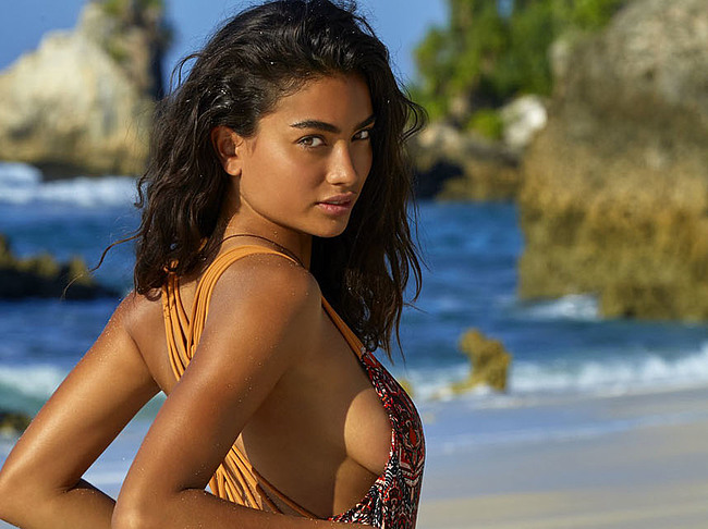 Kelly Gale Archives - PlayCelebs.com