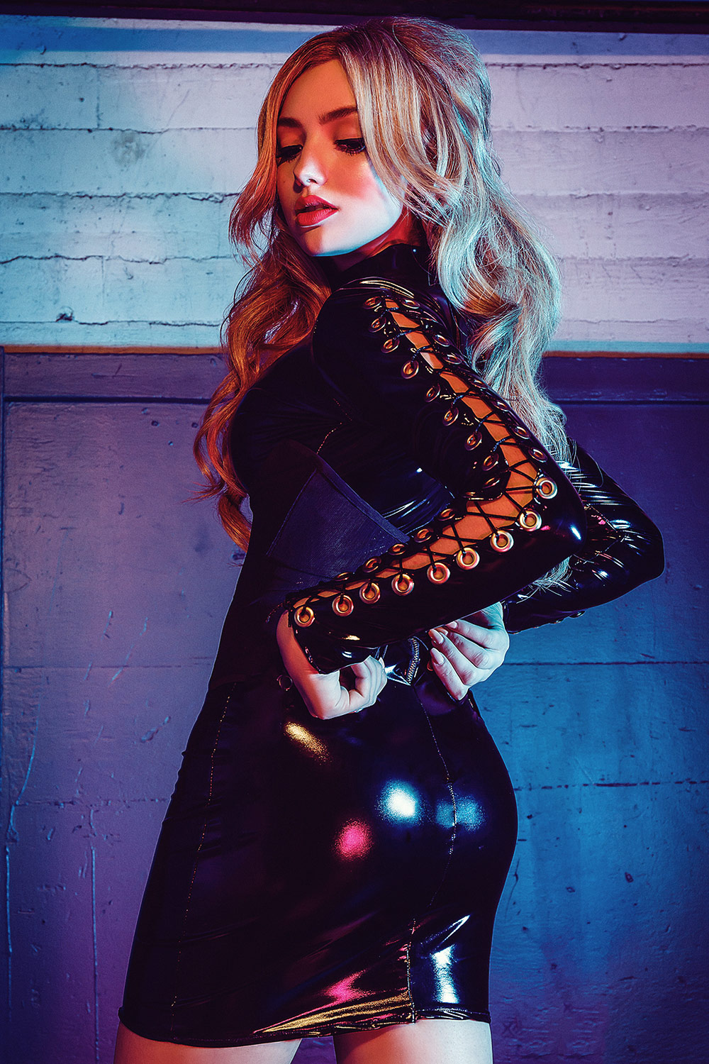 Peyton Roi List photoshoot for Kode Magazine - Leather ...