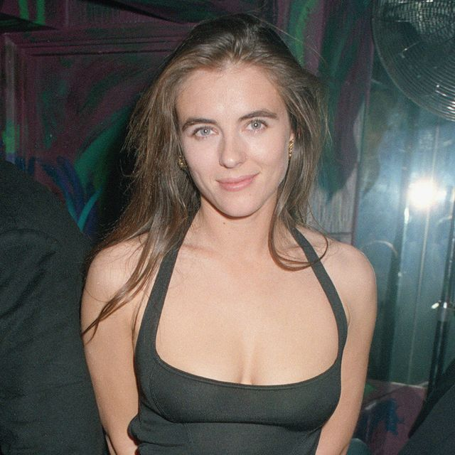 40 Photos That Show Elizabeth Hurley Has Barely Aged Over ...