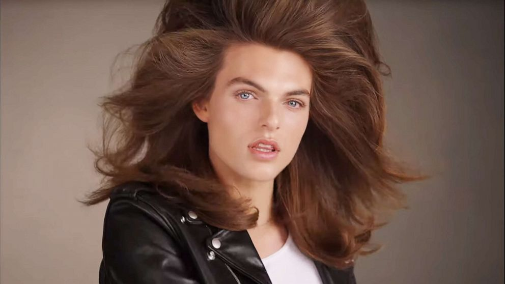 Cindy Crawford's Teen Daughter Strikes Her Own Pose