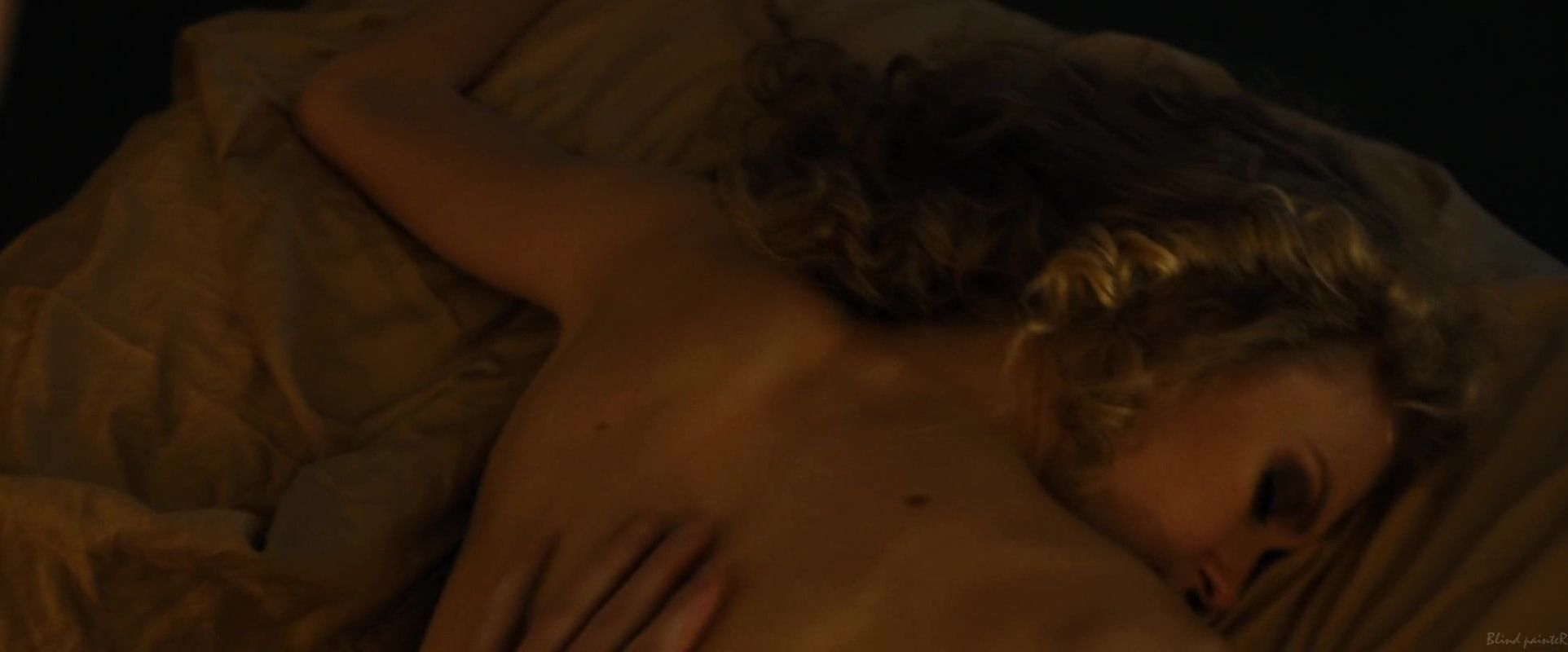 Penelope Mitchell, Jessica Pike nude - Zipper (2015) Video ...