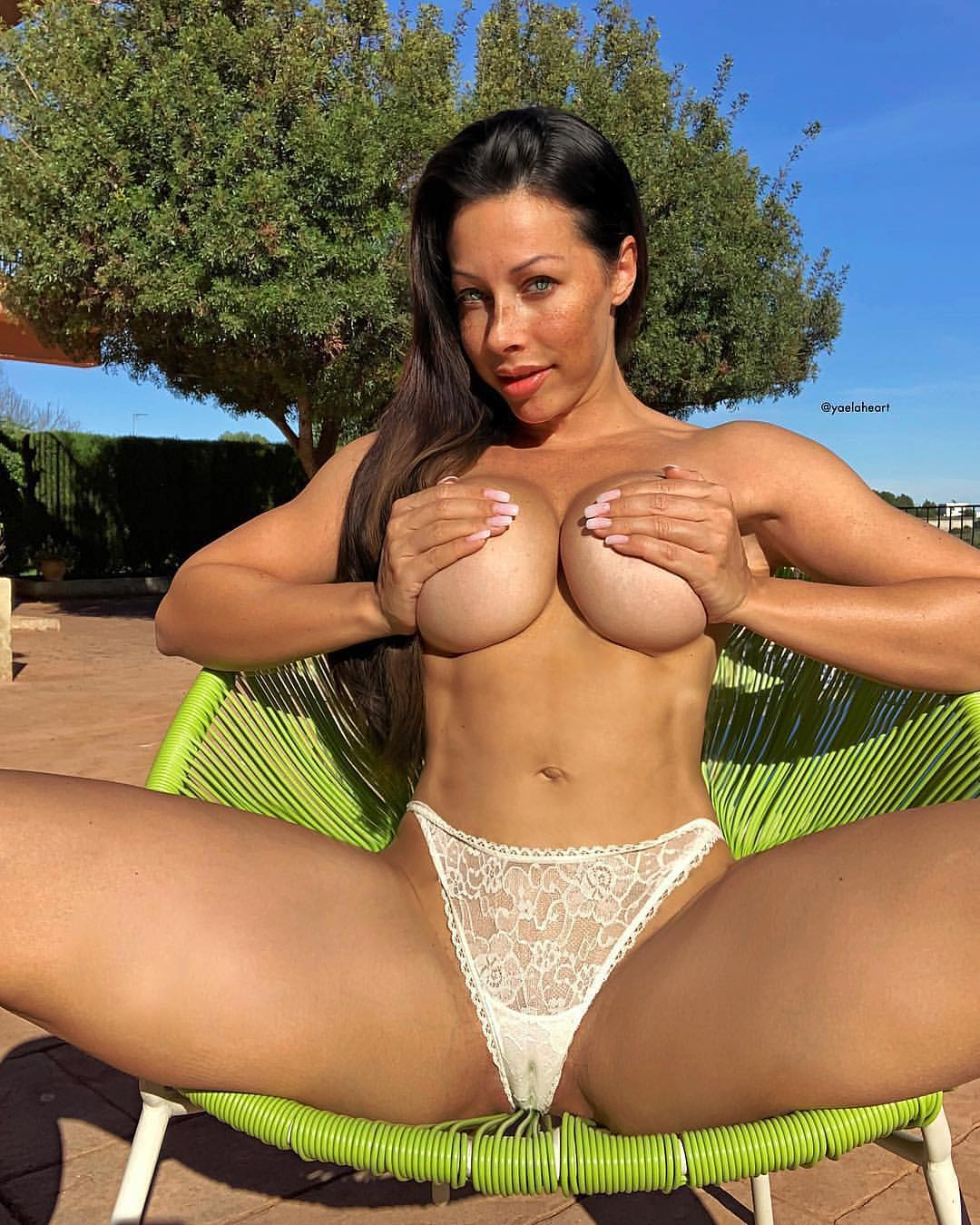 Dancer And Fitness Model Yaela Heart, The Queen Of ...