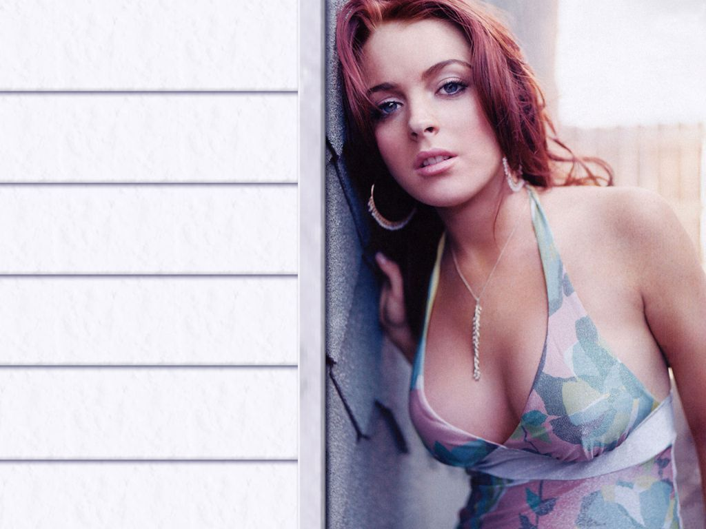 Lindsay Lohan Sexy Wallpaper Images