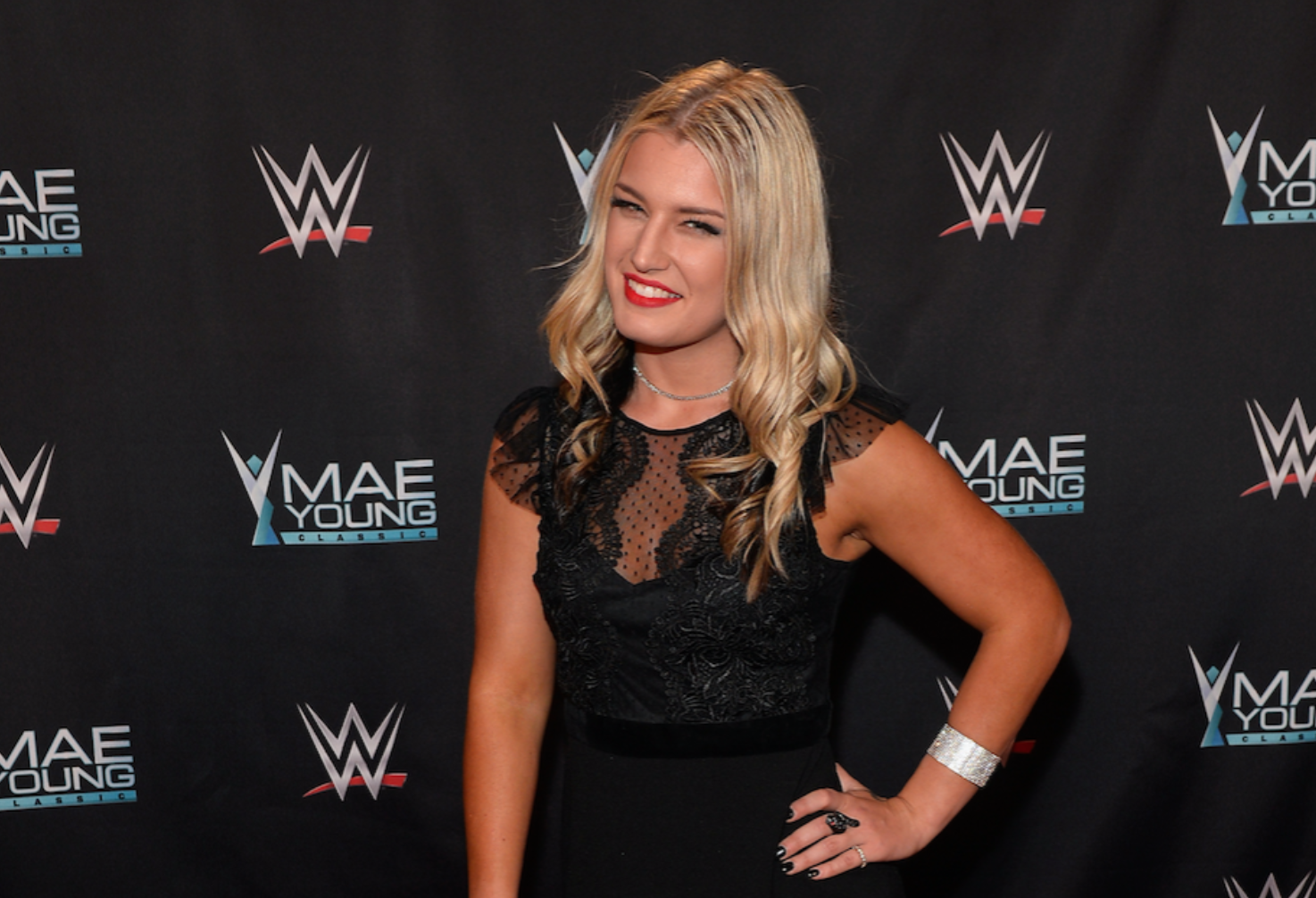 After Nude Photo Leak, WWE's Toni Storm Backed by Paige and ...