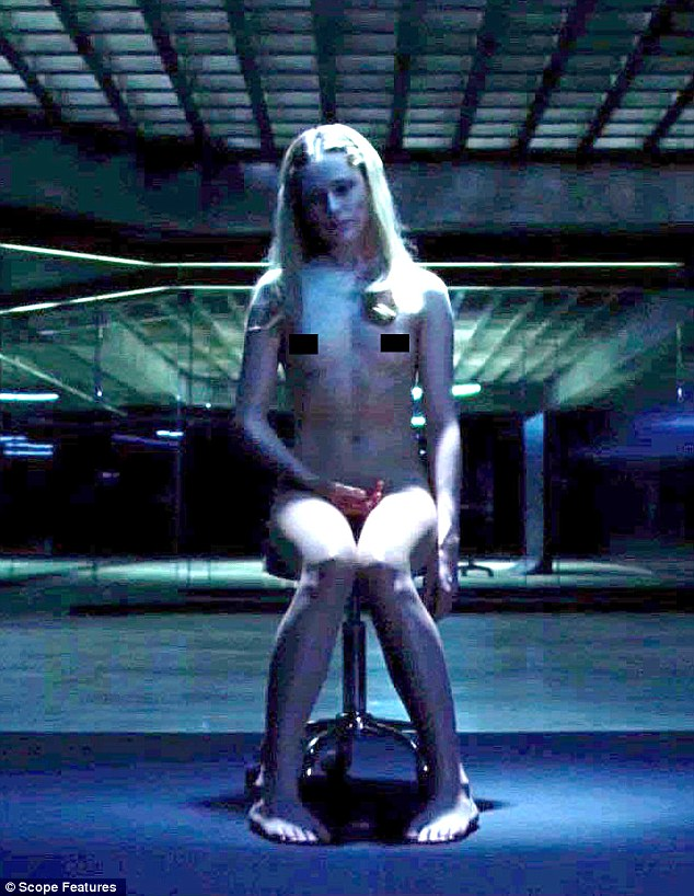 Evan Rachel Wood naked opposite Luke Hemsworth in spooky ...