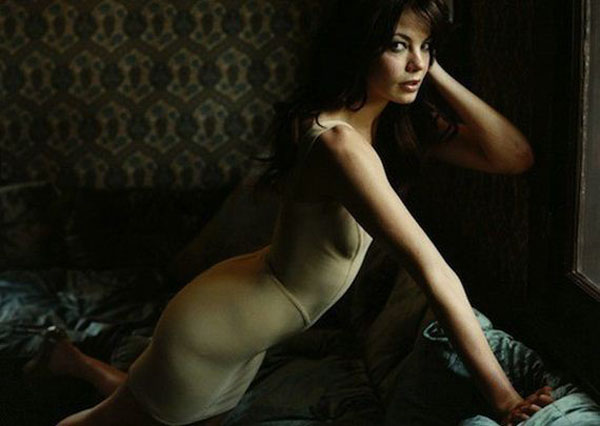 Michelle Monaghan Nude Leaning Over Sofa