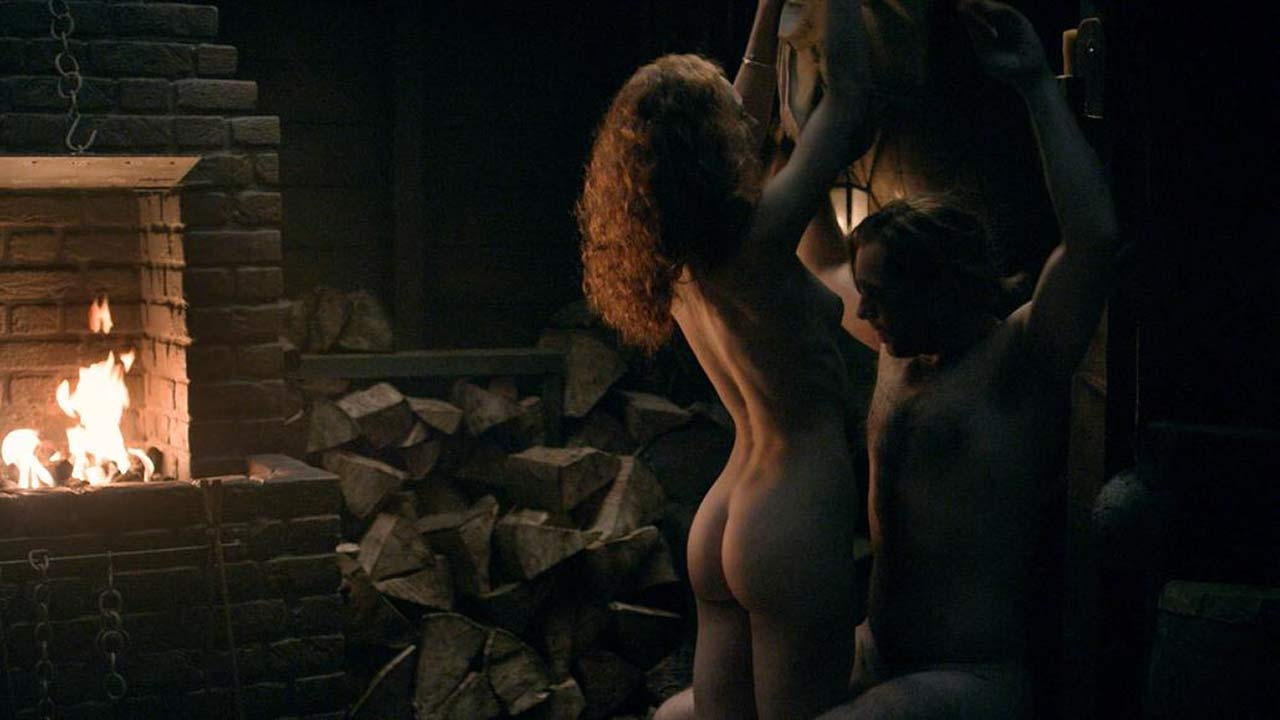 Sophie Skelton Naked Sex Scene from 'Outlander' - ScandalPost