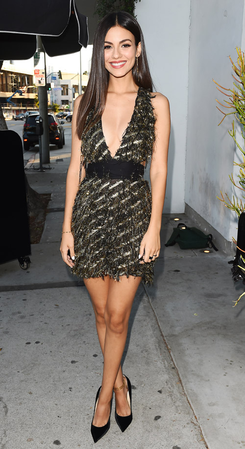 Victoria Justice Rocks The Shimmering Metallic Dress | FASHION