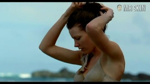 Evangeline Lilly Nude - Naked Pics and Sex Scenes at Mr. Skin