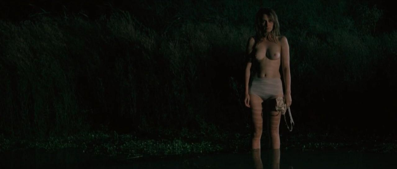 Lucy Fry Nude