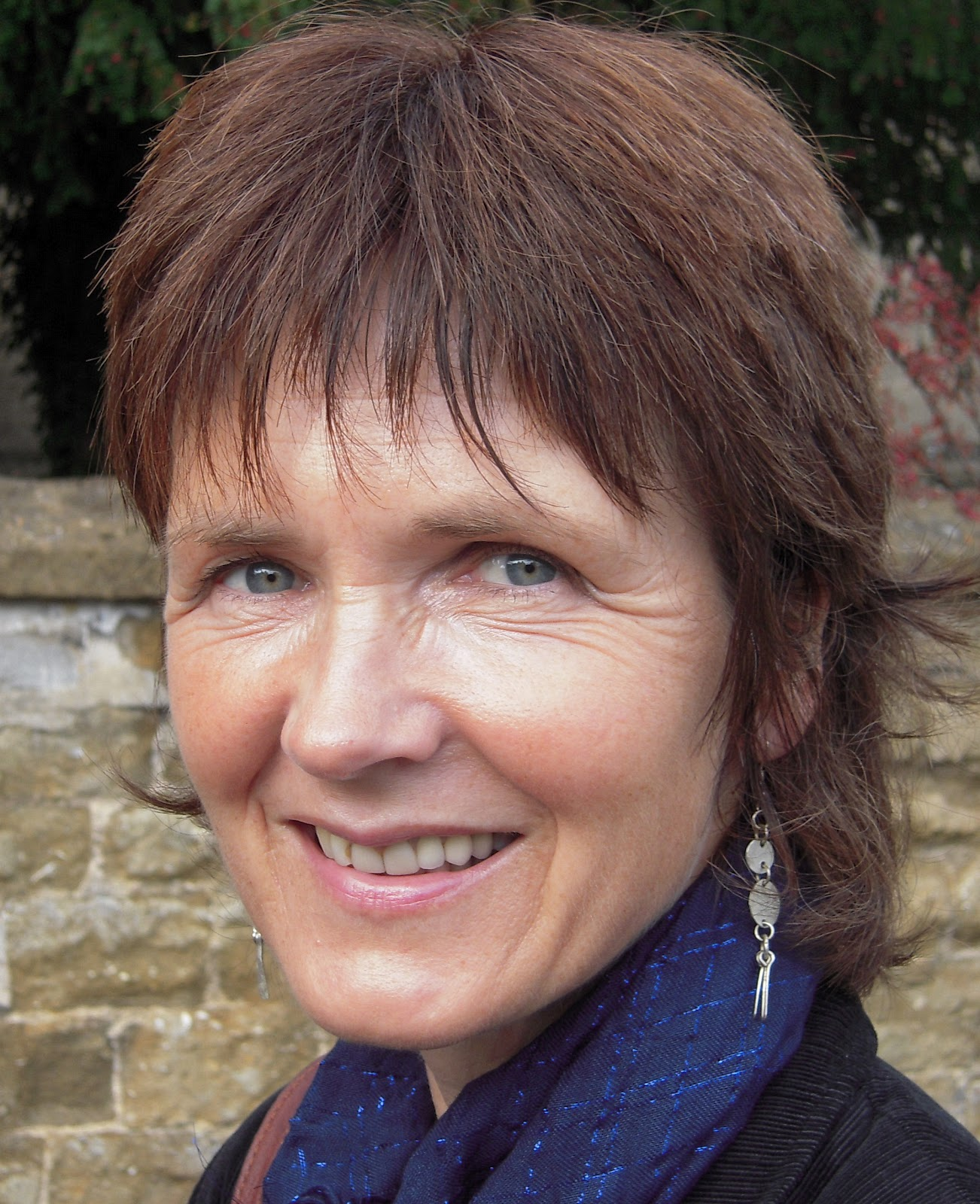 The Frogmore Press: Emily Wills wins the Frogmore Poetry Prize for ...