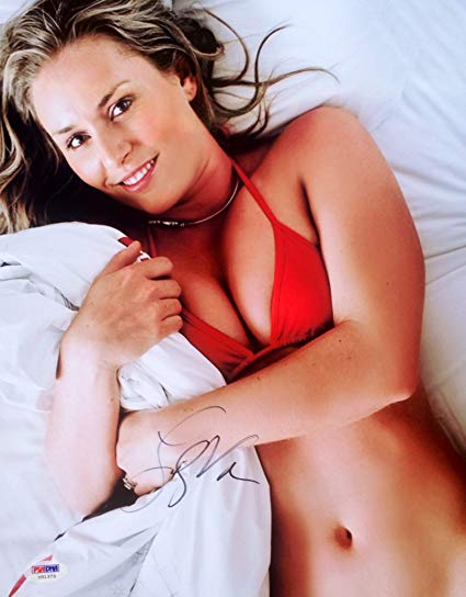 Lindsey Vonn Signed Sexy Laying Down 11x14 Photo Psa/Dna at ...