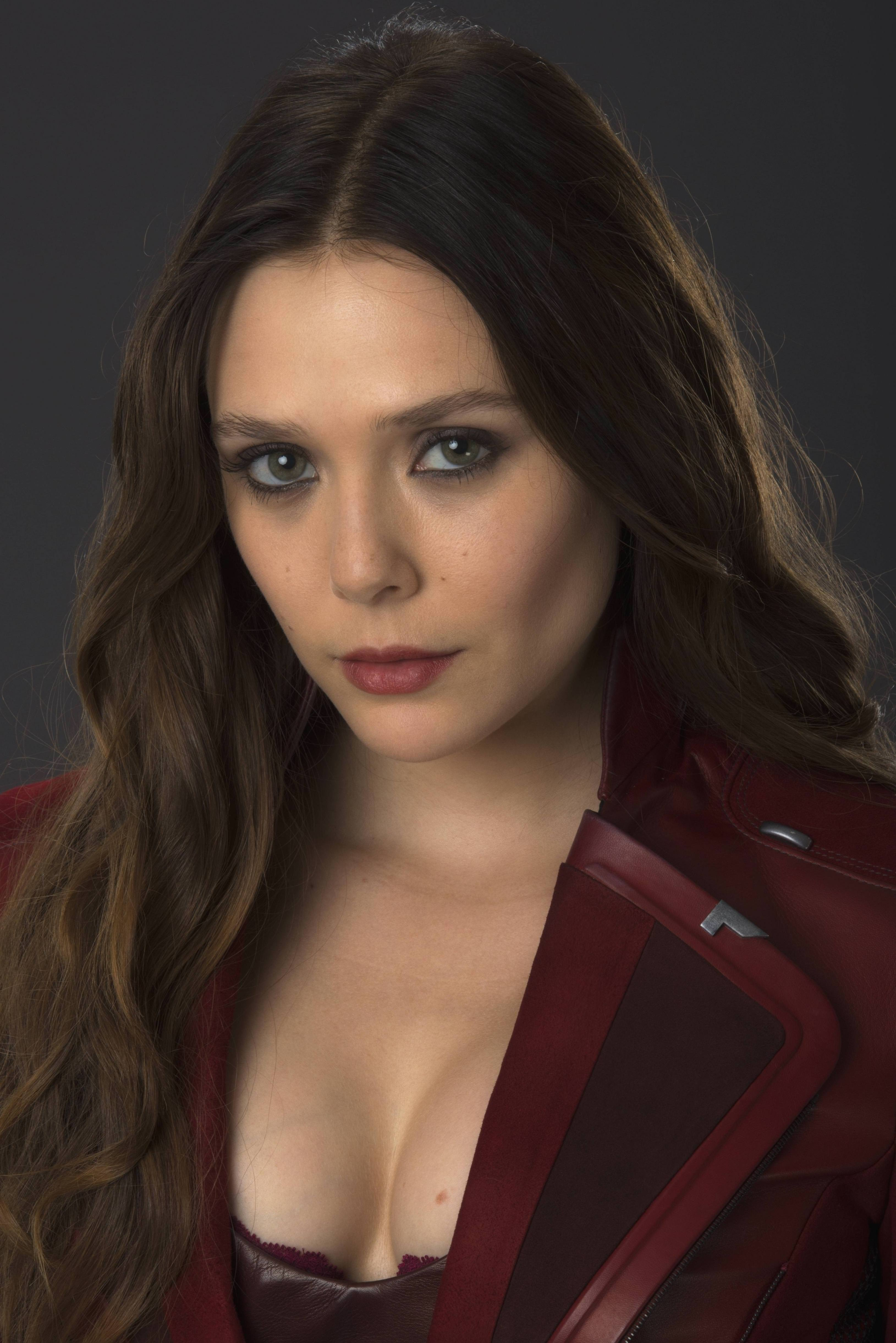 Elizabeth Olsen is so goddamn sexy as Scarlet Witch ...
