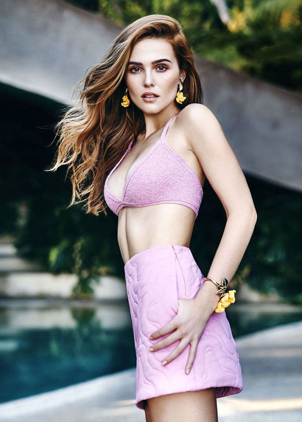 Zoey Deutch Hottest Photos | 37 Sexy Near-Nude Pictures, GIFs