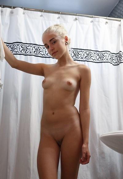 Khaleesi naked
