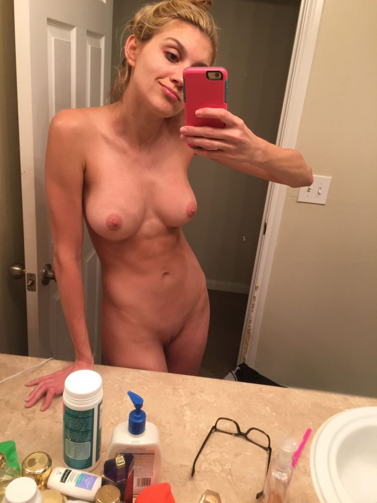 Krystal-Gable-Leaked-Nude-Private-Selfie-Photos-10 ...