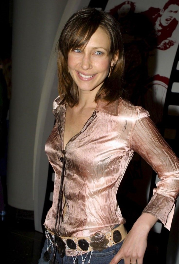 Vera Farmiga Hot Swimsuit Pics & Sexy Kissing Scenes ...