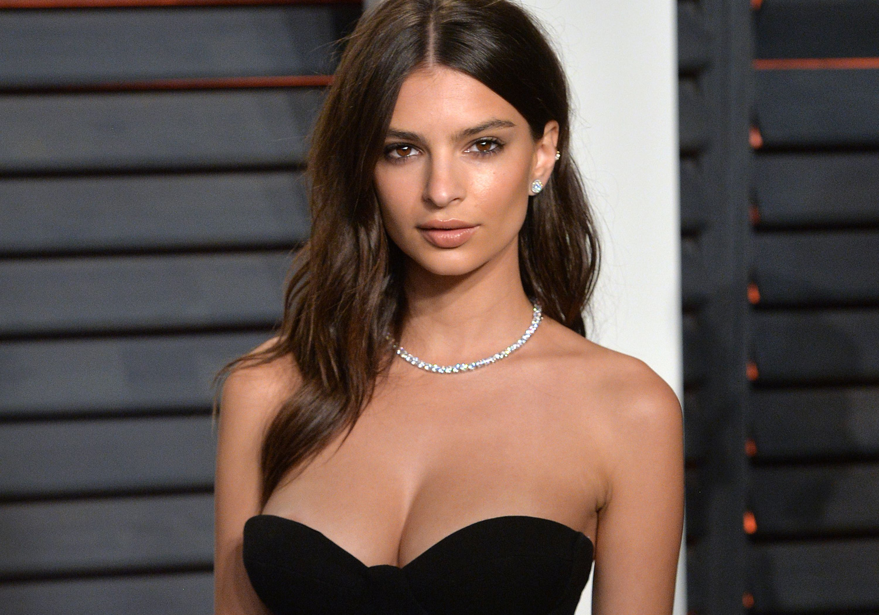 Emily Ratajkowski has been accused of stealing her swimsuit ...