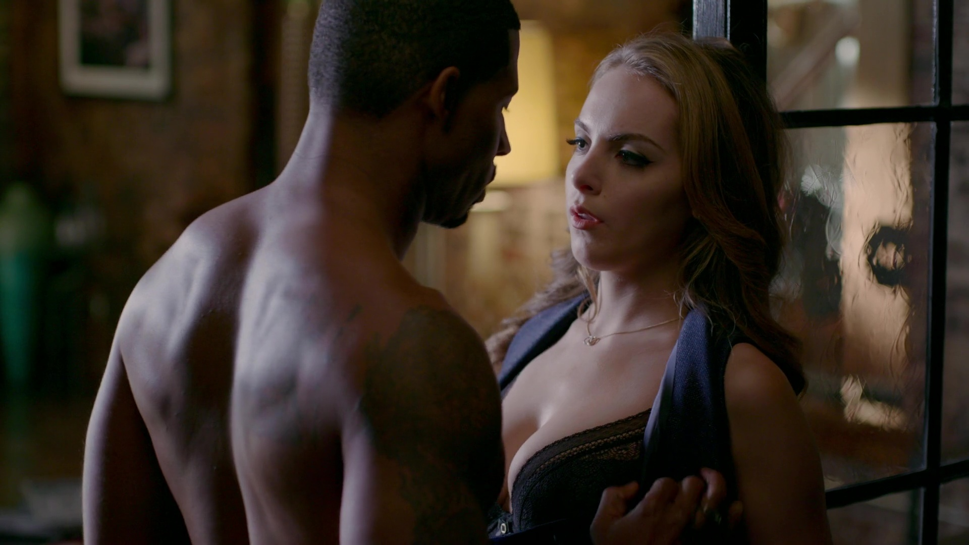 Naked Elizabeth Gillies in Dynasty (II) < ANCENSORED