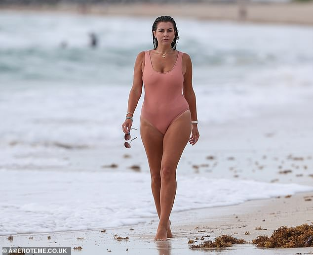 Imogen Thomas flatters her curves in nude-coloured swimsuit ...