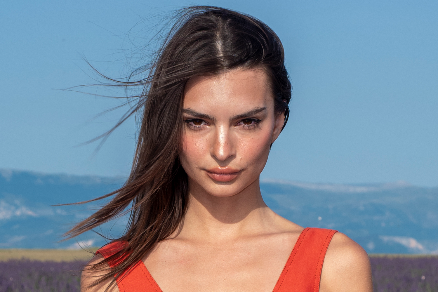 Emily Ratajkowski Opens Up About What It Means to Be Sexy in ...