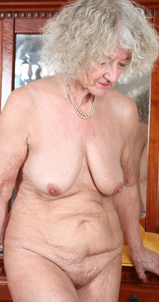 Petite nude old ladies pictures - MatureHomemadePorn.com
