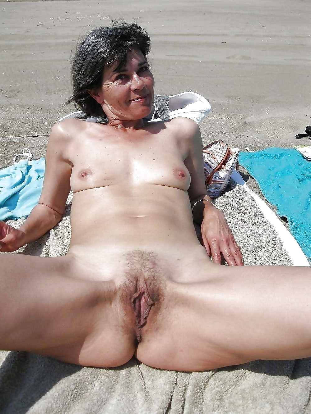 Naked old girls nude beach pics - TheMatureSluts.com