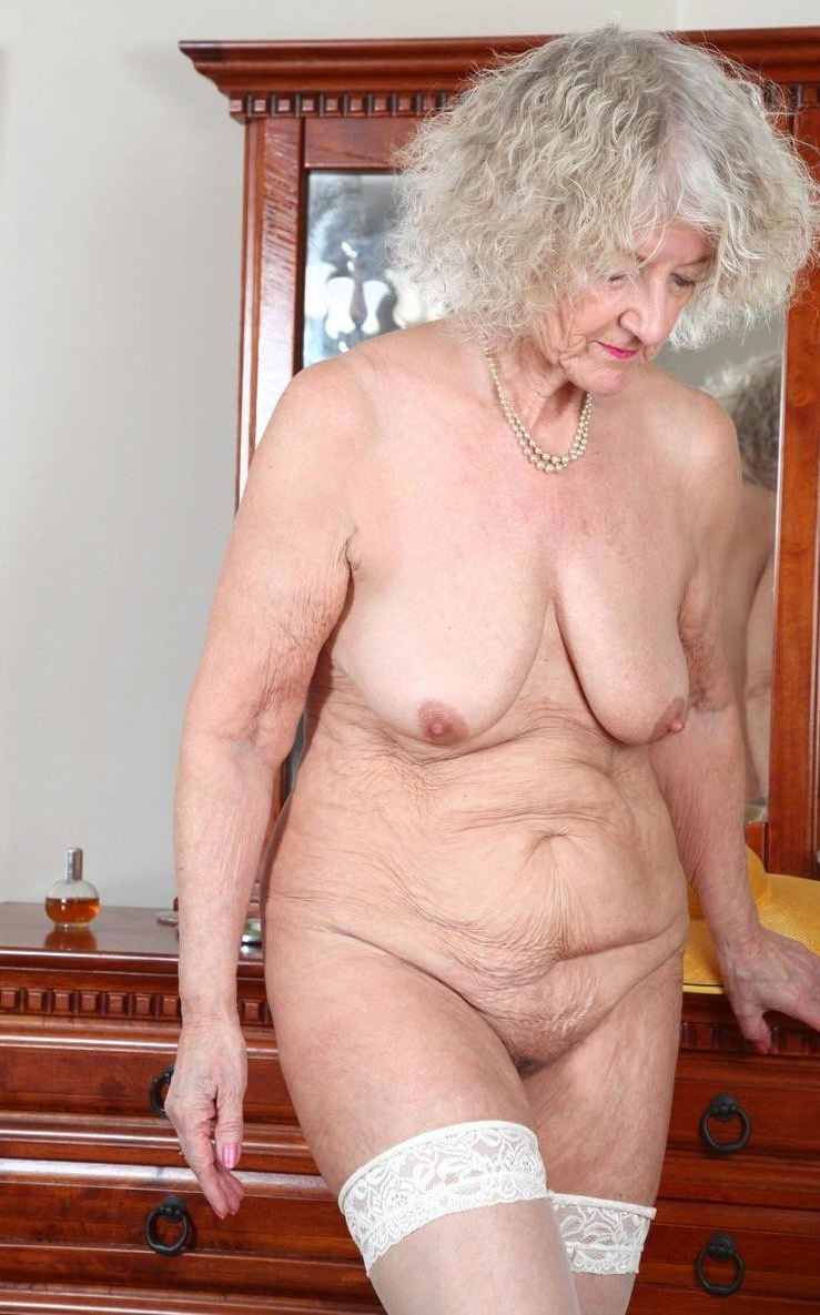 Nude old hairy women pictures - MatureAmateurPics.com